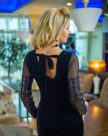 Платье с паетками 7734