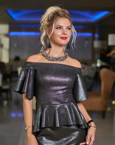 Платье с открытыми плечами 7644