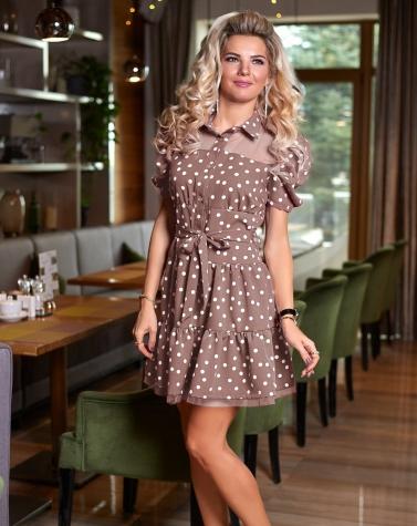 Бежевое платье в горошек 7882