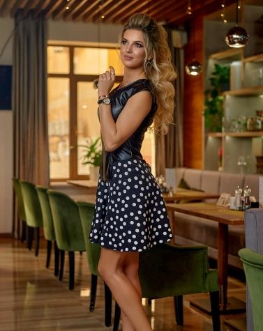 Кожаное платье с расклешенной юбкой 7885