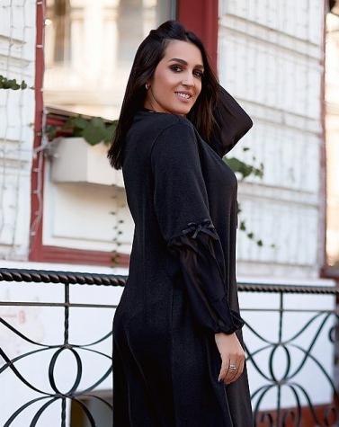 Расклешенное трикотажное платье чёрное 7723