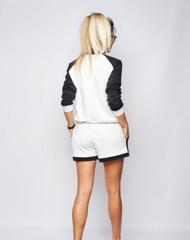 Стильный костюм с шортиками белый 5093